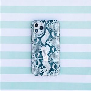 Loopy snakeskin iPhone 11 Pro Max case